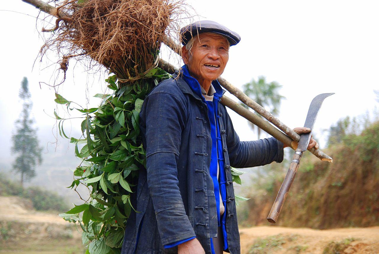 Yuanyang_hani_farmer